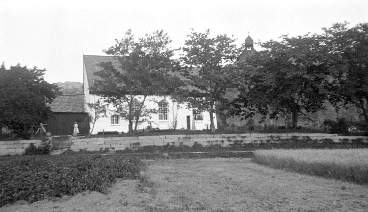 """Enligt senare noteringar: """"Svenneby ödekyrka. 30 Augusti 1922."""""""