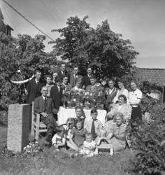 """Text till bilden: """"Fru Johansson 70 år. 1939.06.04""""."""