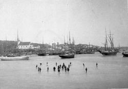 """""""Fiskebäckskil 1903"""". Bildtext till kopian i fotoalbumet."""