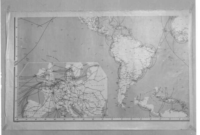Världskarta i 4 blad. De övriga bladen PM 6262-64. Plansch.