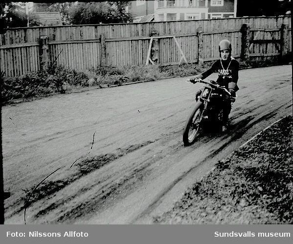 Bild på Motorcykel  förare.