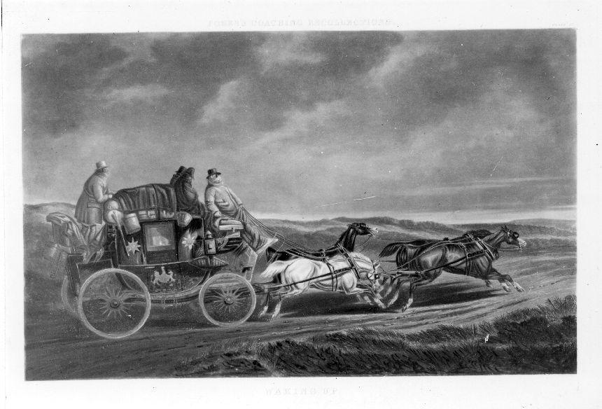 """Kopparstick, kolorerat, efter ett original av C C Hendersson,ingående i en serie kallad """"Fores's Coaching Recollections"""". Bladet,som kallas """"Waking up"""" visar en fyrspänd diligens i trafik mellanChester och London i postens tjänst. Diligensen går med full fartfrån vänster till höger i bilden. Kusken vänder sig om mot tvåkurande och förmodligen sovande män. Samtidigt har mannen bakpådiligensen rest sig. Diligensen färdas över en hed och himlen ärorolig. Bladet inramat i ram av ek."""