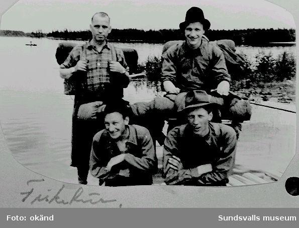 """Norskt polistruppsläger, Bataljon 3. """"Fisketur.""""  (Text  i  fotoalbum. Ägare Erling E Henriksen, Borgenhaugen)"""