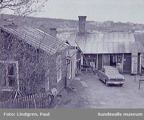 Gårdsmiljö i stadsdelen Södermalm. Ej känt var den låg.