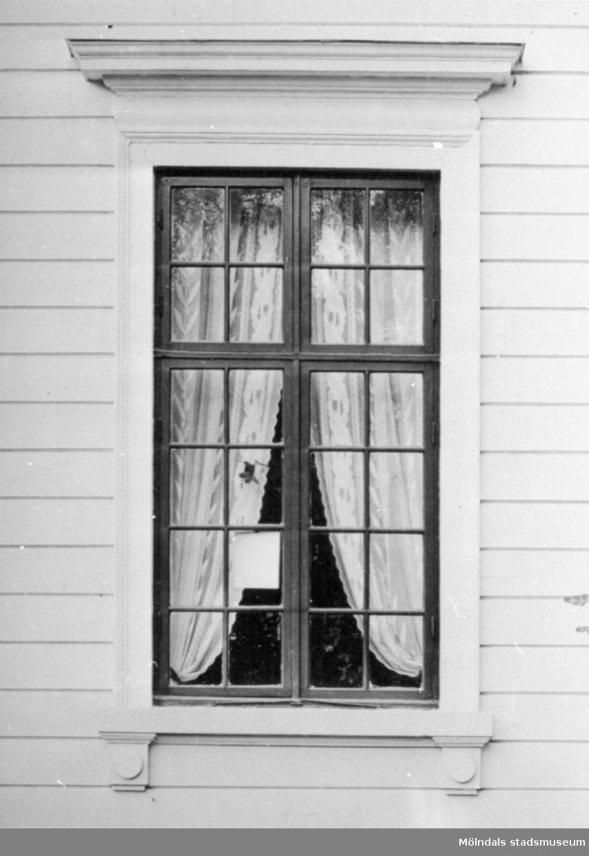 Ett fönster. Gunnebo slott 1930-tal.