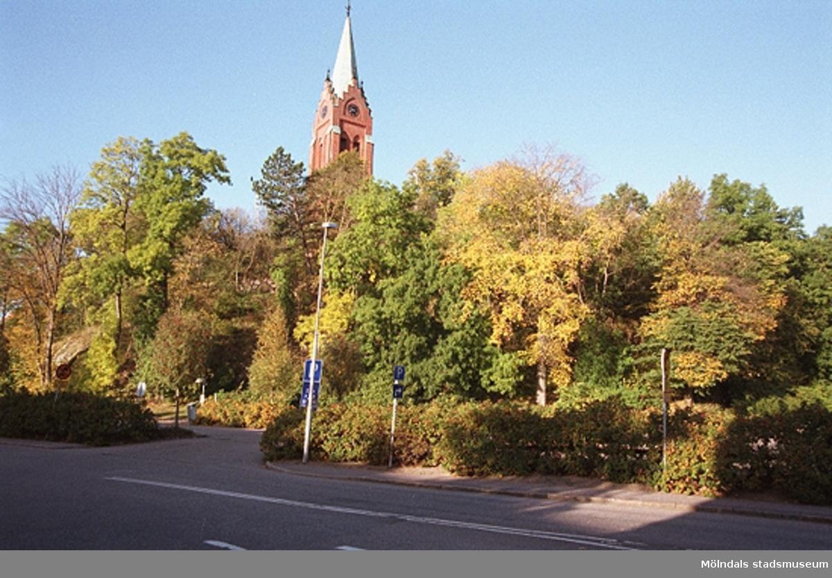MMF1996:1102-1115 Kvarnbyskolan 9C grupp 5.MMF1996:1116-1129 Kvarnbyskolan 9C grupp 6.  Se även MMF1996:0913-0940.