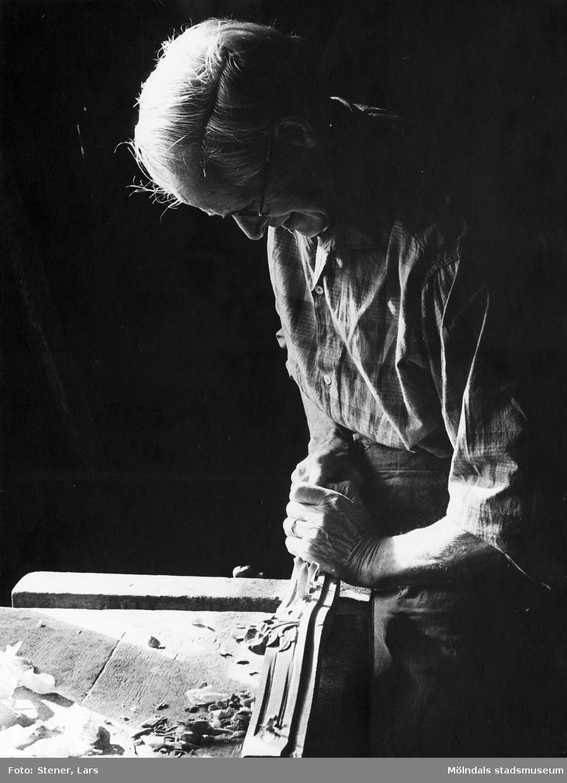 Albert tillverkade bl. a Göteborgsstolar. Han avled i slutet av 1970-talet.