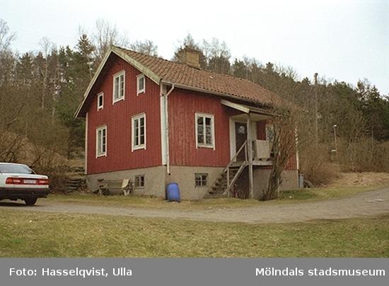 Dälavägen 97A, Gårda 2:87, 1998-04-01. Hör ihop med: 2002_0118 - 0121.