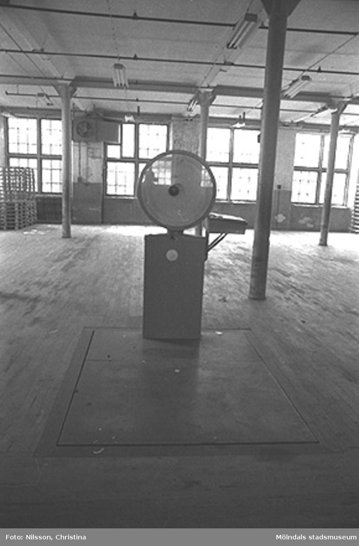 En våg placerad i August Werners fabriker i Lindome, hösten 1994.