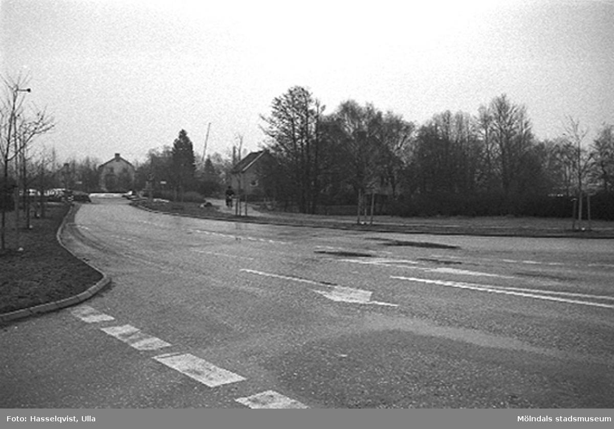 Översikt vid Skedebro från norr, 1996-01-16. Relaterade motiv: 2004_0121 - 0143.