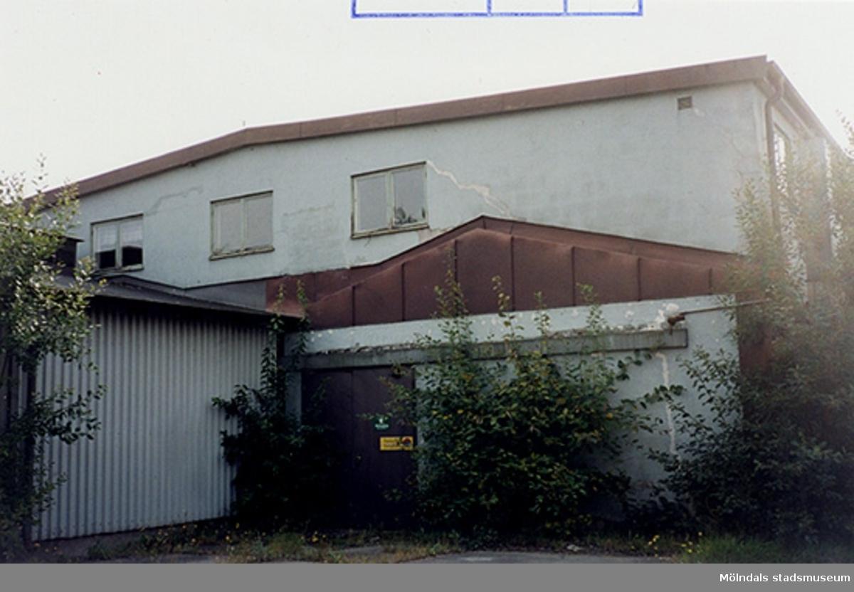 Gammal verkstadsindustri, Ågatan 24, Pelargonian 2, Trädgården/Lackarebäcks industriområde. September 1999?