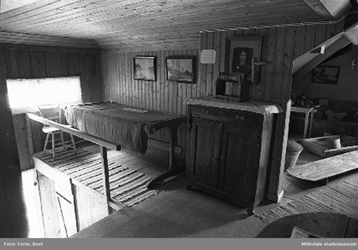 Vinden.Hembygdsgården/Börjesgården i Hällesåker, Lindome 1992-06-29.
