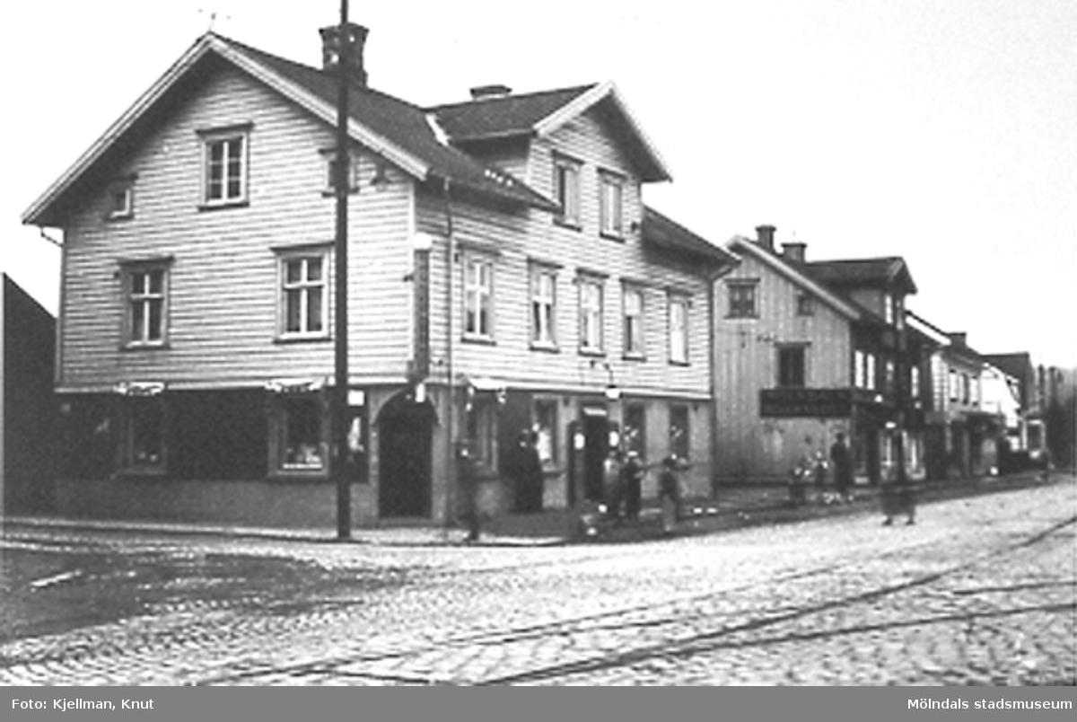 Göteborgsvägen 1 och grannhusen mot norr.