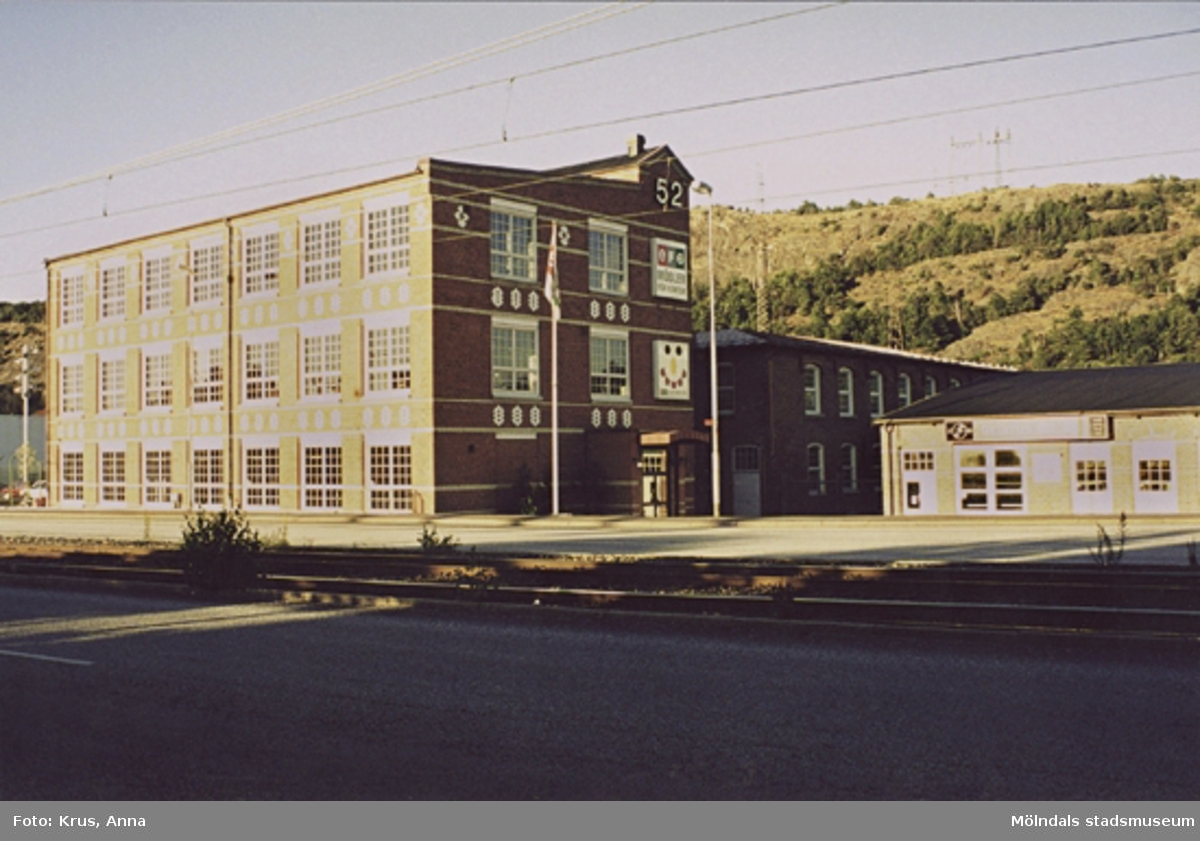 Spinnaren 2. Krokslätts fabriker. Gravörverkstad, uppförd 1890-tal. Sett från sydväst.