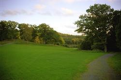En park vid Gunnebo slott.