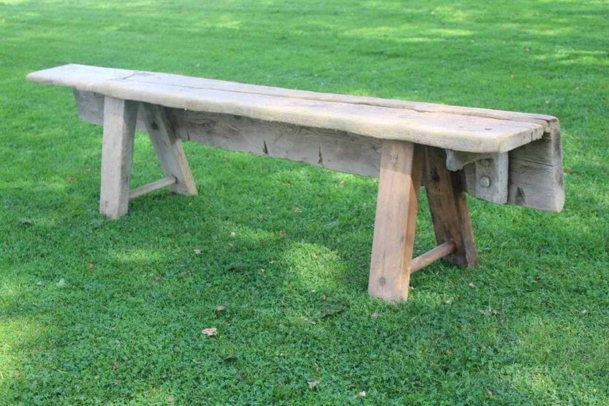 Form: Rektangulær; sete og sarg i et stykke