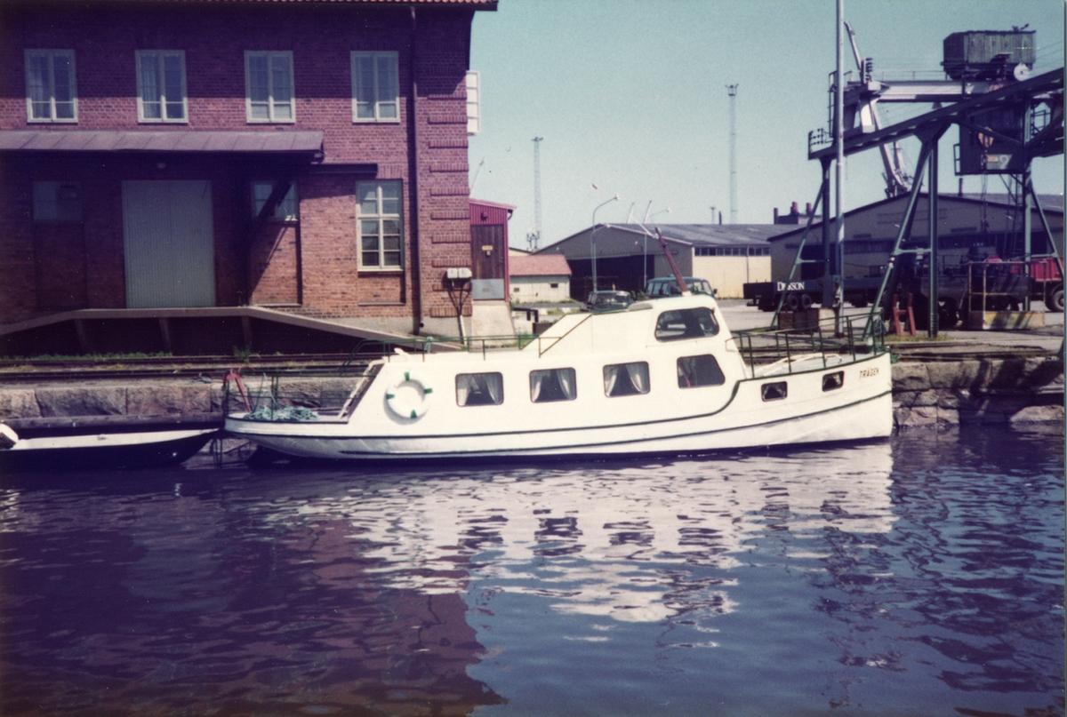Lustfartyg Trägen Tullhuskajen, (Västerås)  22/6-83