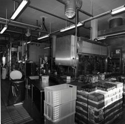 Hemsedal meieri vart nedlagt 21. juli 2001. Doseringsmaskin