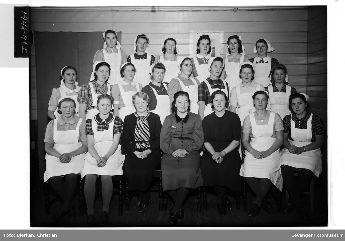 Inntrøndelag Husmorskole i 1942