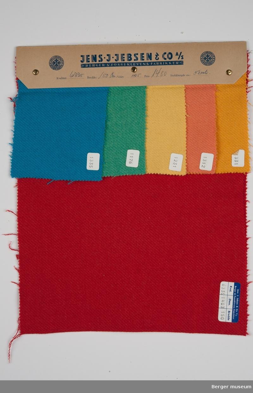 Prøvehefte med 6 prøver, metervare, bekledningsstoff, ensfarget, skråvevet Jakke Kvalitet 6335