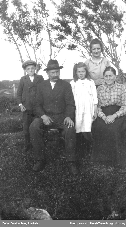 Laurits, Klara, Marie, Nesdal Nordaunet og Angnes Sensdrag