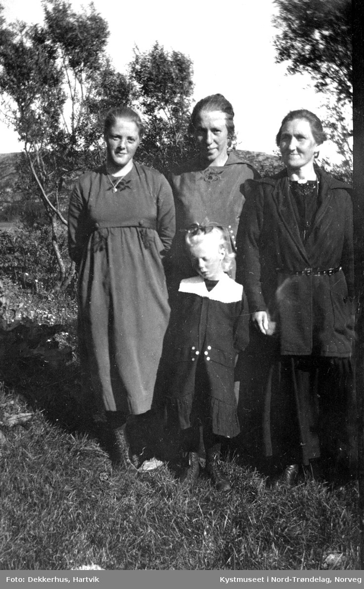 Kristine Evenstad, Agnes Dekkerhus, Marie Johansen og Hjørdis Evenstad