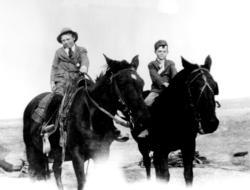 Thomas og Alf Hegge til hest