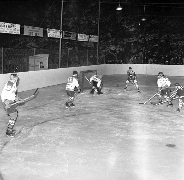 "Enligt notering: ""Odin - Norrby ishockey 12/2 1960""."