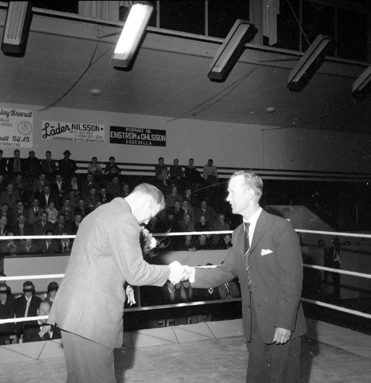 """Enligt notering: """"Boxningar 26/2 1960""""."""