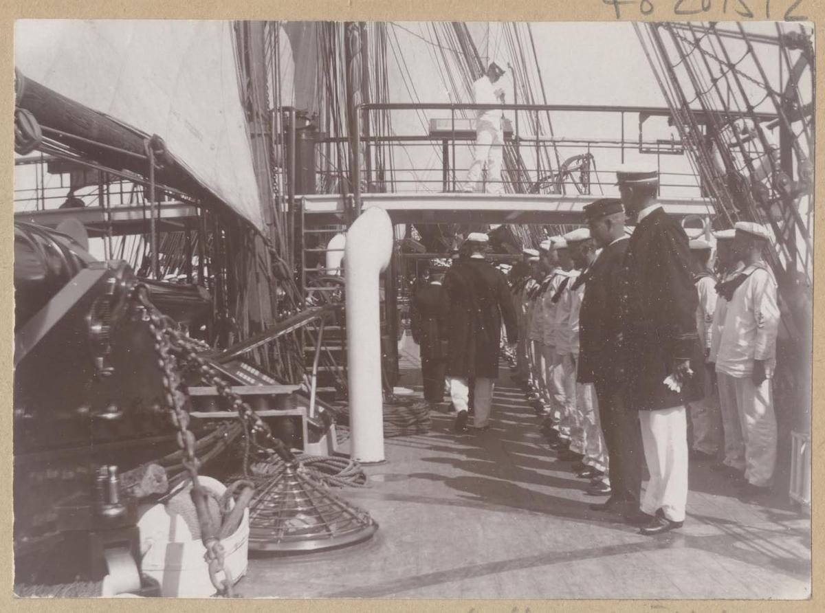 Fartyg: FREJA                          Bredd över allt 12,2 meter Längd över allt 65,8 (vl) meter  Rederi: Kungliga Flottan, Marinen Byggår: 1886 Varv: Kockums