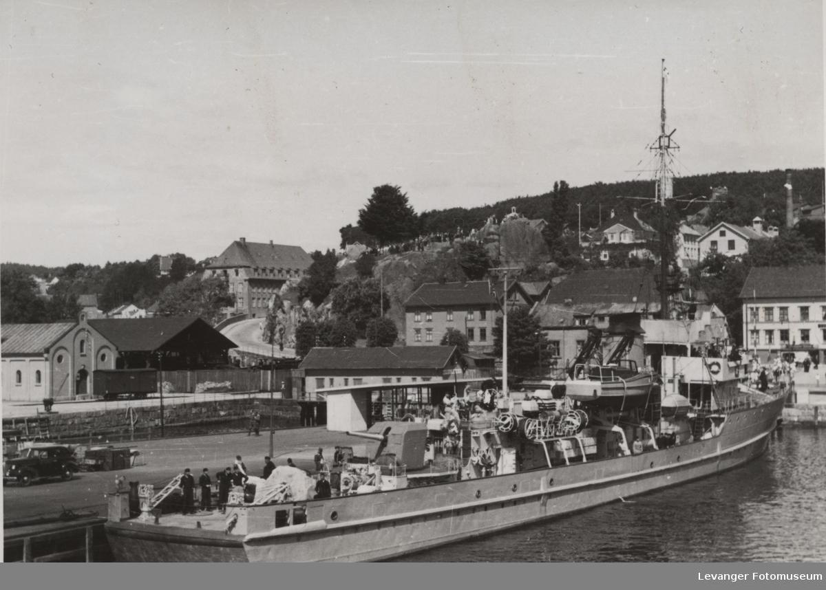 Tysk minesveiper av 35 klassen.
