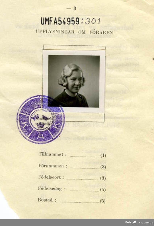 Text på kortet: Upplysningar om föraren. Indragning av rätt att göra bruk av internationellt körkort. KAK.