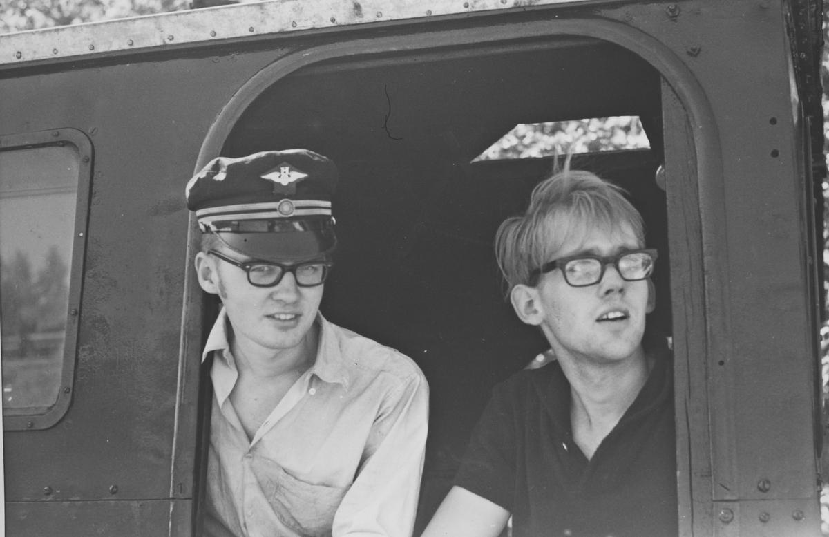 Lokomotivpersonale på lok 6 Høland