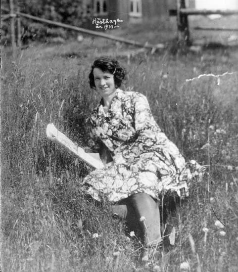 """Text på bilden:""""Hösten år 1933""""."""