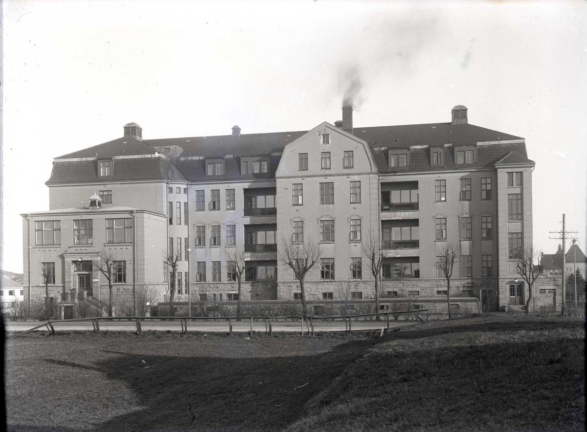 Haugesund Sykehus fotografert fra nord