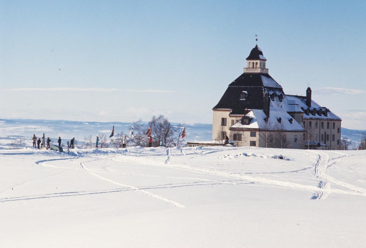 Høsbjør Turisthotell, vinter.