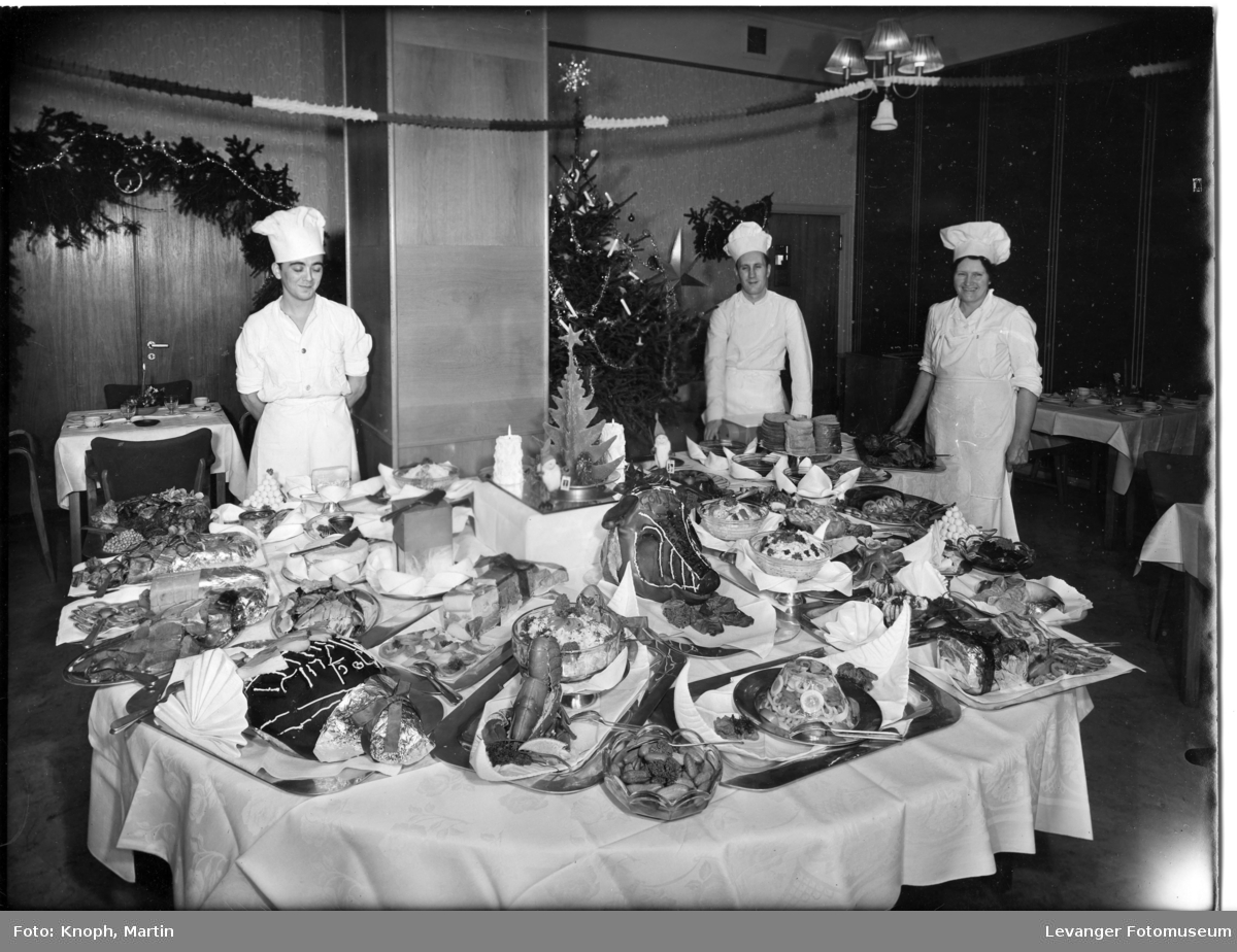 Julebord ved Grand Hotel og 3 kokker.