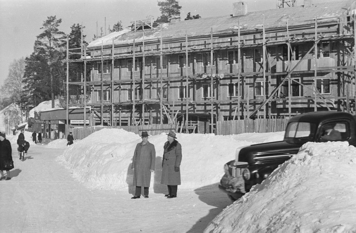 Leiret, Elverum. Pedersenbygget under bygging.
