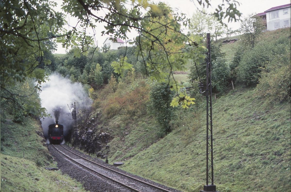 Ekstratog for Norsk Jernbaneklubb med damplokomotiv Norsk Hydro M2. Den nedlagte delen av Drammenbanen