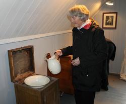 Bergsvenner  åpner hovedhuset på museet, 16.05.2013. Edith,