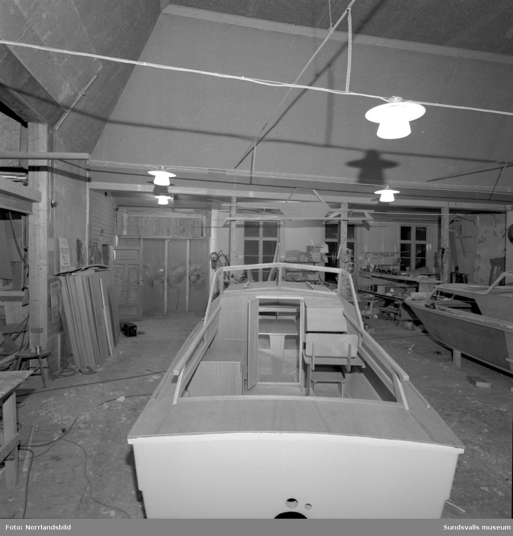 Capribåt under byggnation.
