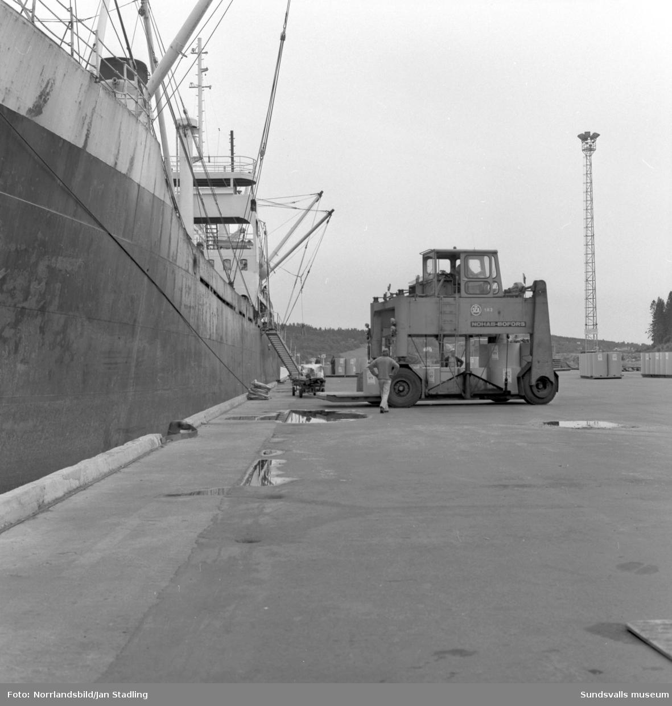 Fartyget Santa Fe i Tunadalshamnen