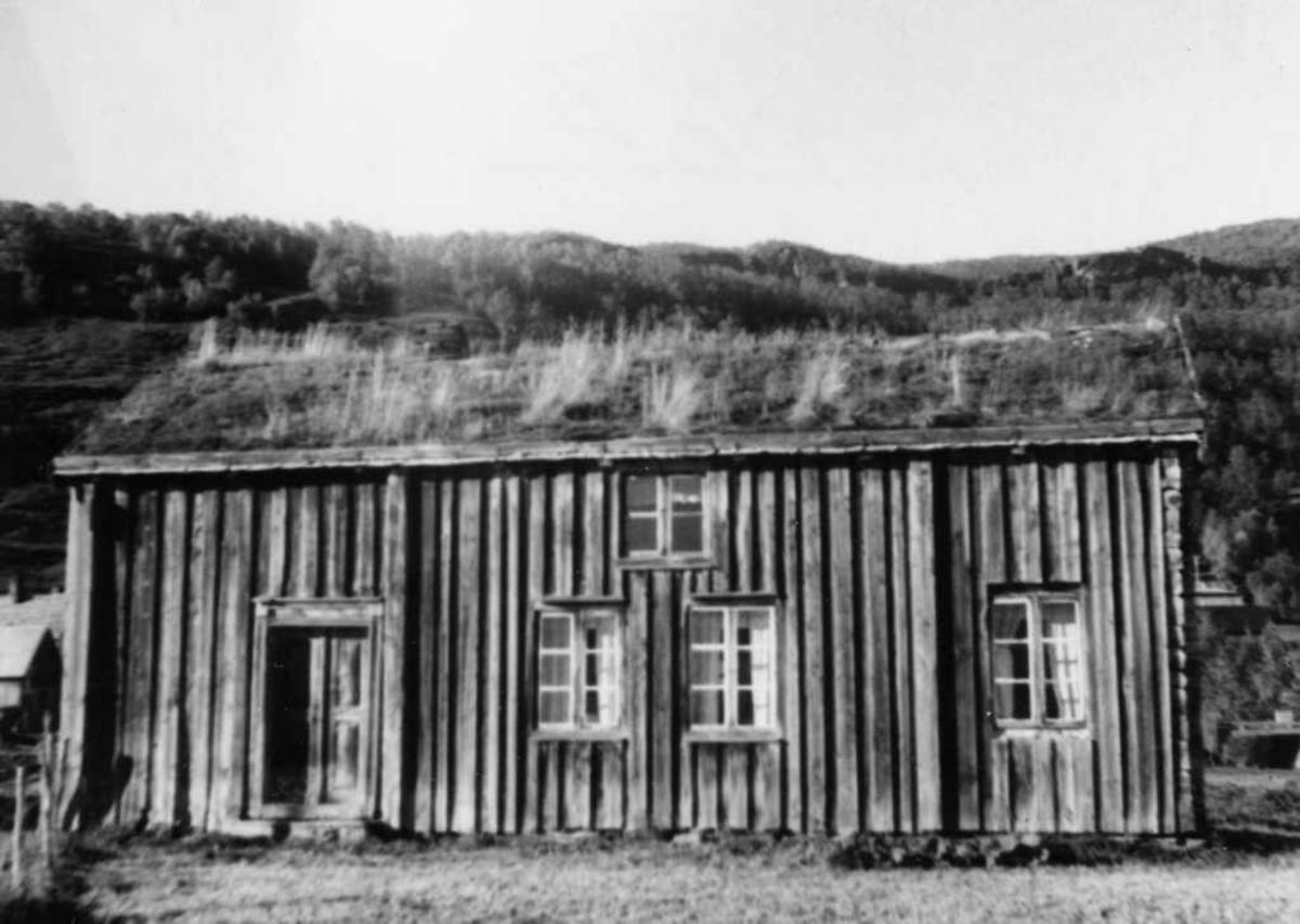 Mette Jakobsens hus, Herjangen, forfra. Gnr.5 Herjangen Store. Flyttet til Orneshaugen. (Mette Jakobsen var datter av Christen Jakobsen)