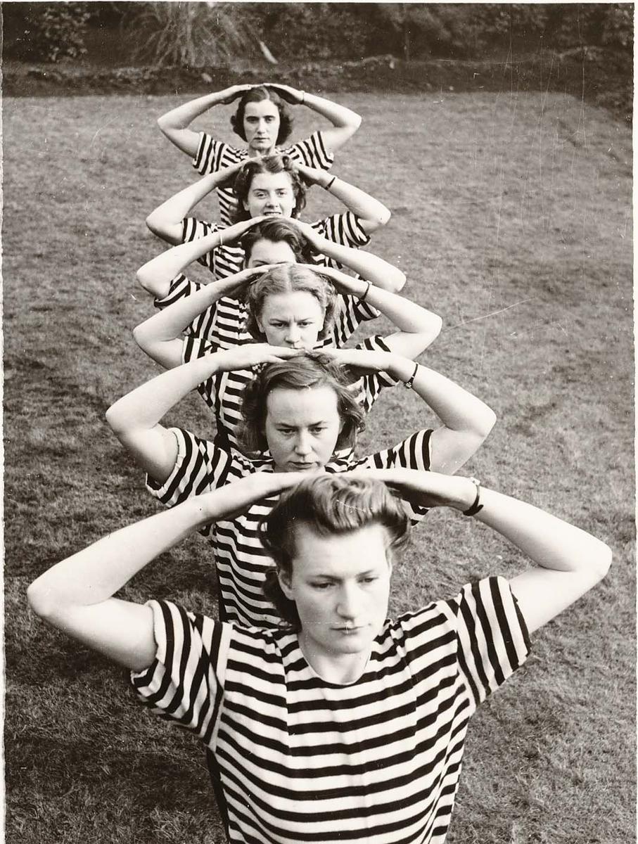 Motiv: Marinens Kvinnekorps 1942-1945 Kurs 2 1945 Liverpool. Gymnastikk