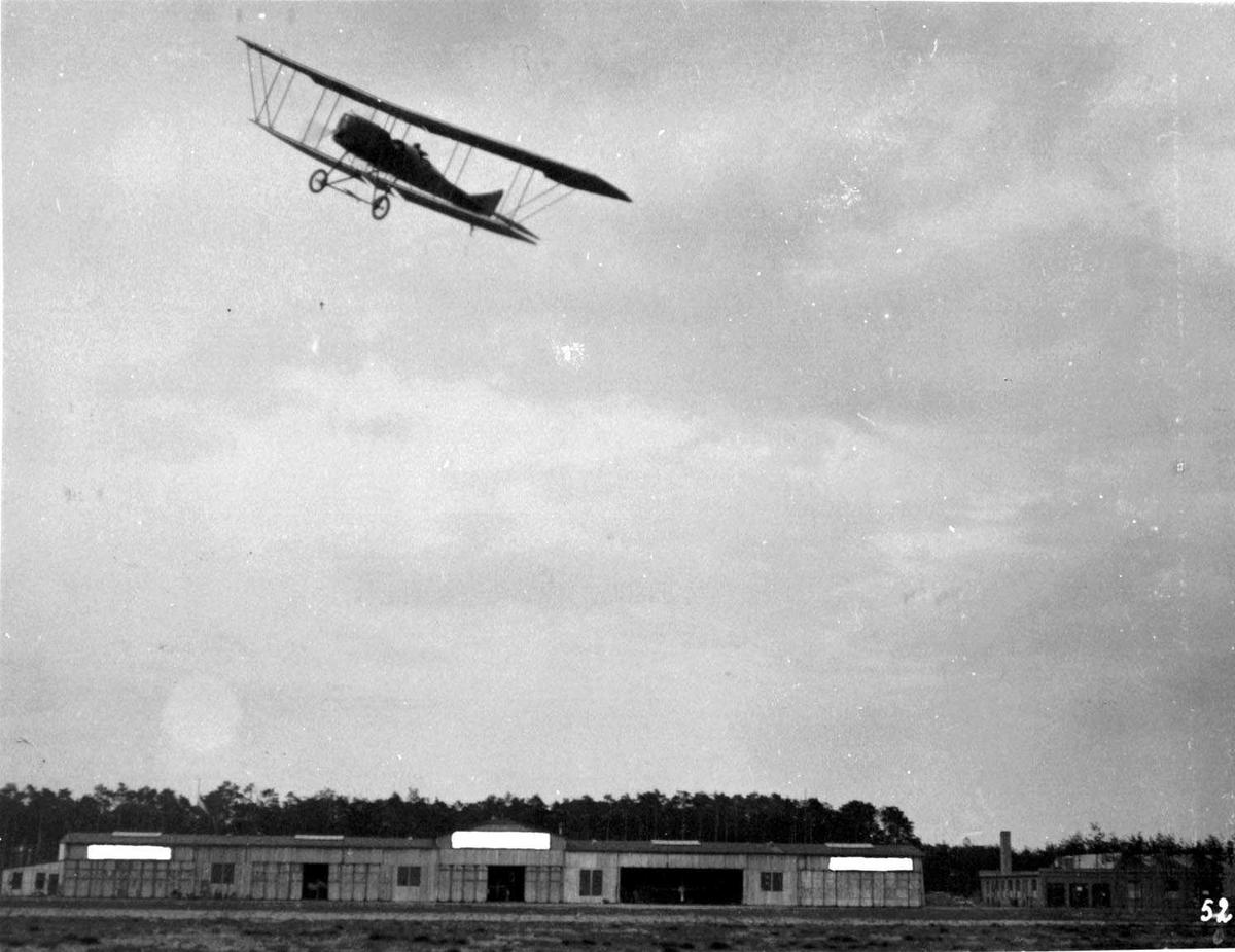 Luftfoto. Ett fly i lufta, Albatross