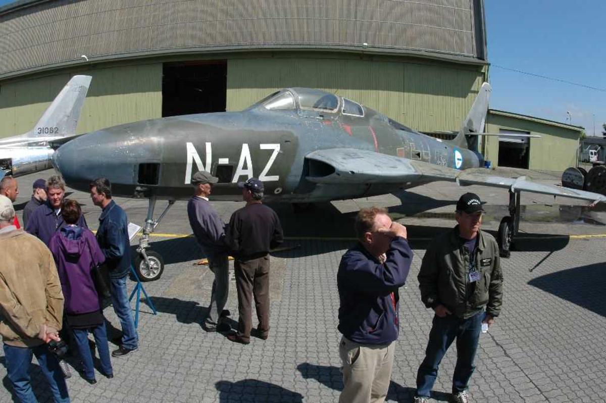 Lufthavn (flyplass) Republic F-84F, N-AZ.