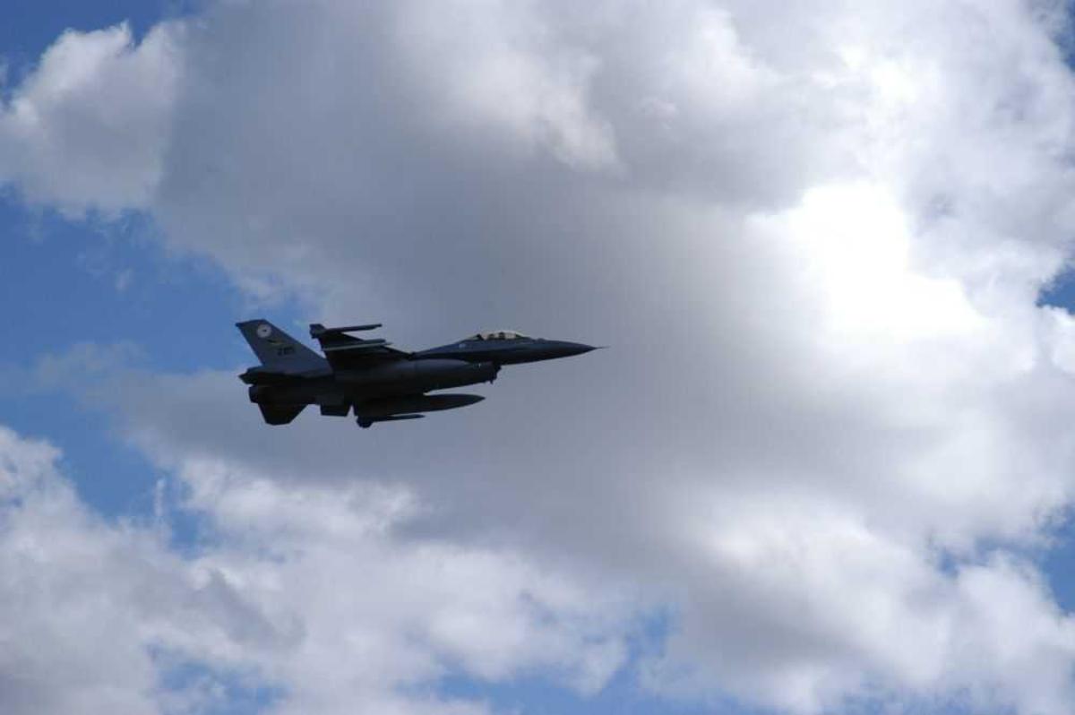 Ett fly i lufta F-16A fra RNOAF 285 fra 338 skv.