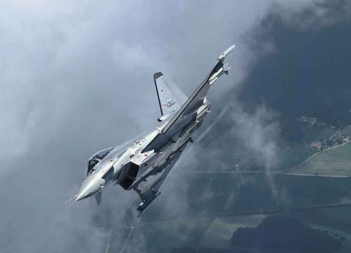 Ett fly i lufta, Eurofighter EF-2000 Typhoon S, 9829