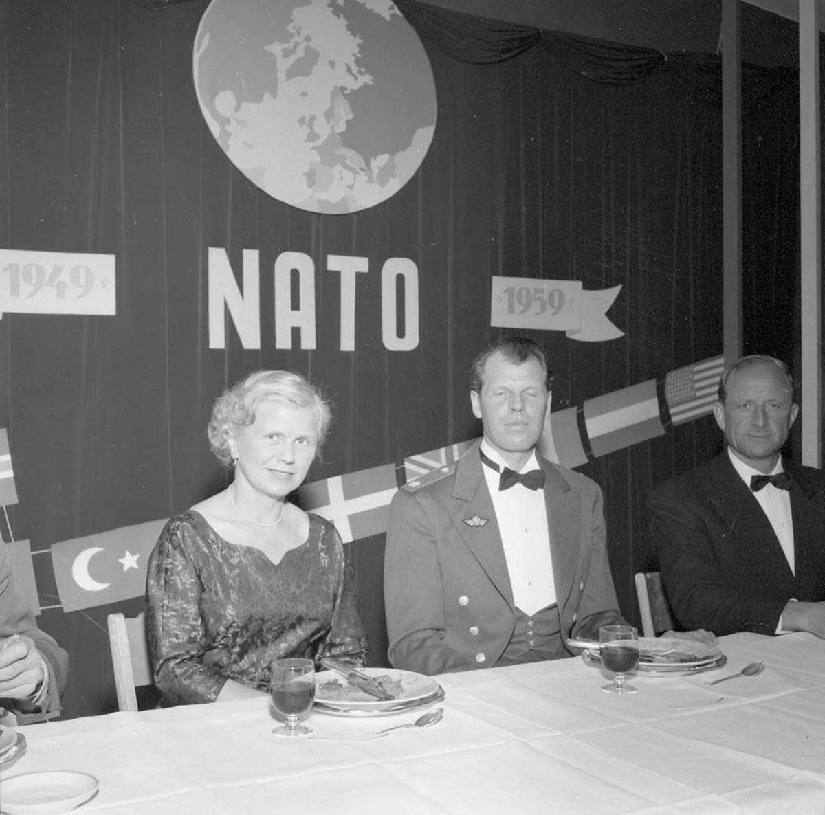Feiring på Bodø flystasjon for NATO som fyller 10 år.