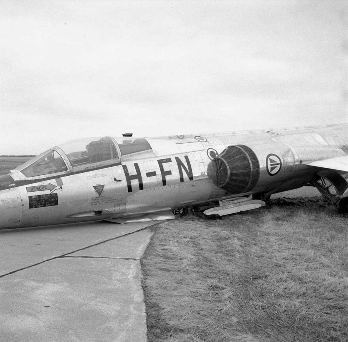 Næruhell med F-104-G Starfighter, kjennetegn FN-H, med tail nr. 631, tilhørende 331 skvadron på Bodø flystasjon.